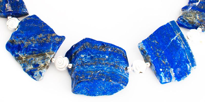 Lapis-Lazuli-Kette aus rohen Steinen | atelier ie.